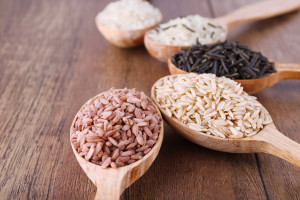 Eating whole grains as part of a balanced fertility diet